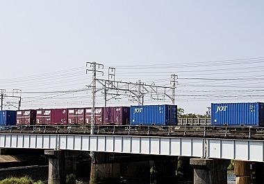 1024貨物列車 01   _m-s.jpg